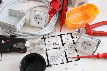Der erste Schritt beim Unterputz Stromkabel verlegen