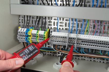 Zweipoliger Stromprüfer und Spannungsprüfer Test Beitragsbild - Spannungprüfen leicht gemacht
