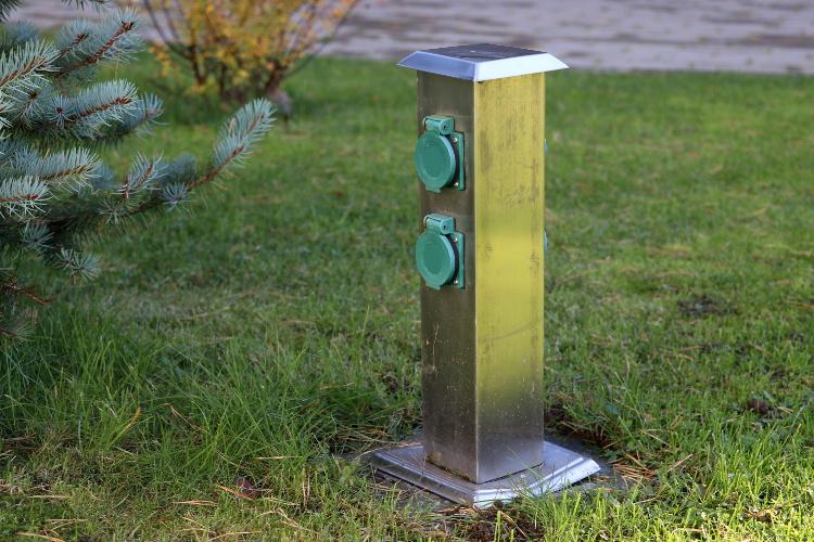 Energiesäule - Strom im Garten jederzeit verfügbar